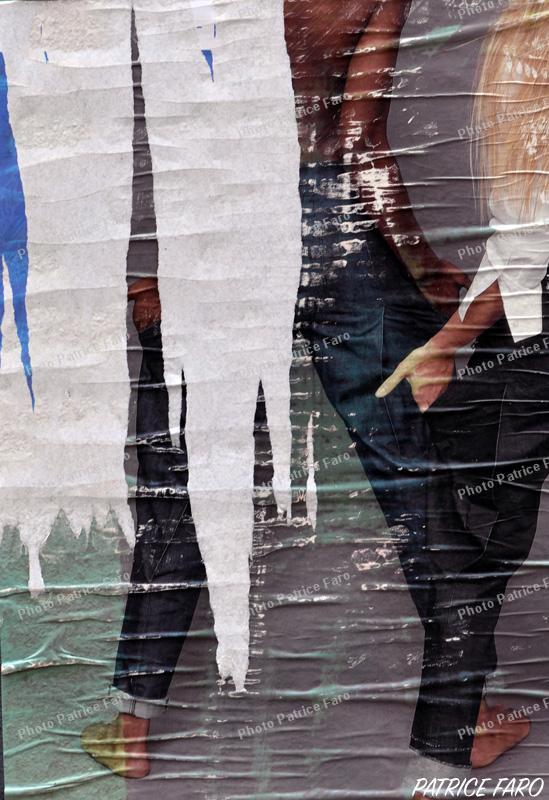 affiche déchirée - Photo Patrice Faro