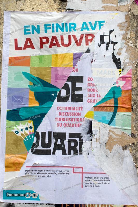 affiches déchirées - Photo Emmanuel Roux